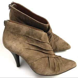 Aldo Tan Pointed Toe Ankle Boots Size 6.5